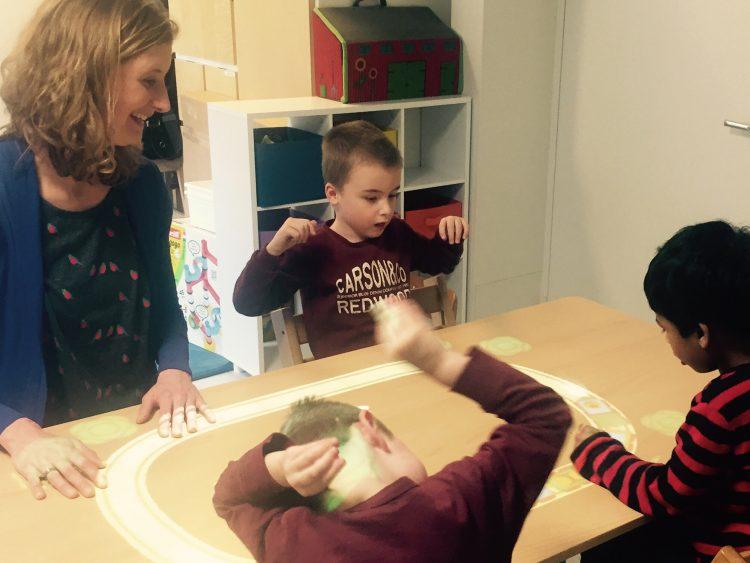20170209-Een-speelgoedtrein-of-een-levensechte-Ontwerpen-voor-kinderen-met-autisme.